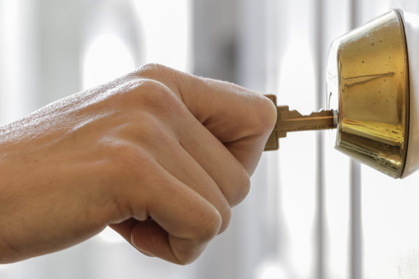 3 Key Signs It's Time to Call a Locksmith